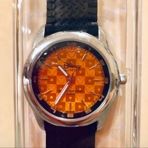 DISNEY MICKEY MOUSE TREND WATCH